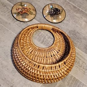 Dried Round Flower Pictures & Wall Basket